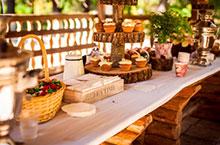 Picknick für Kinder im Garten an der Hochzeit – Hochzeitsfeier Ideen